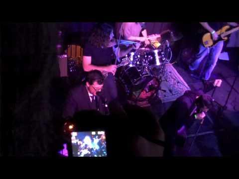 The Badlees performing Maggie May