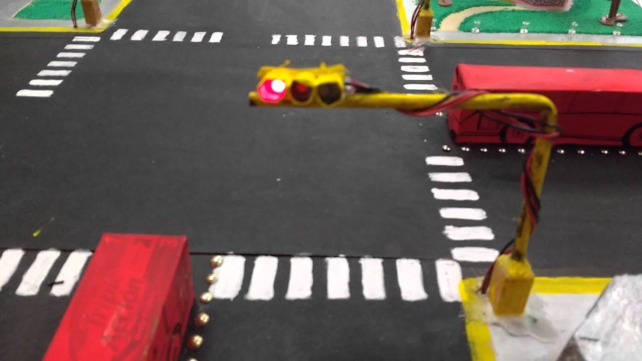 Download Maqueta semaforos, control con arduino