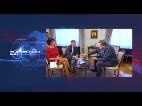 Milorad Dodik sa bisernom mapom