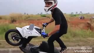 Fristyle motor matic versi DJ aku suka wajah imut aisyah