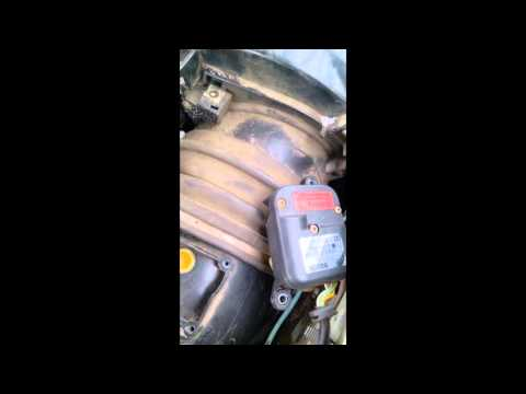 Audi100 C4 1992 года выпуска снятие вентилятора отопителя