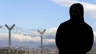 Македония завершила строительство заграждения на границе в Грецией(Македония завершила в воскресенье строительство трехкилометрового заграждения на границе в Грецией. ..., 2015-11-30T15:39:04.000Z)