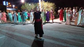 Учимся танцевать греческий танец Сиртаки вместе с Эйвон