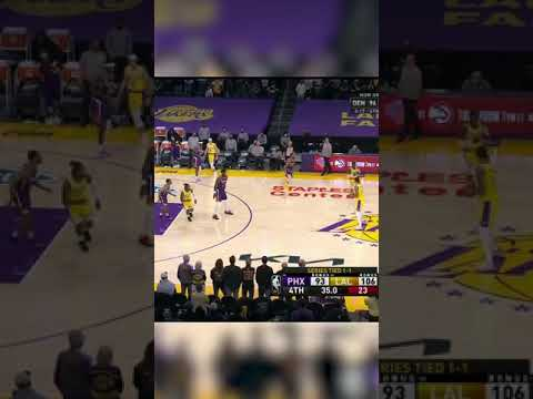 """Lakers fans chanted """"Kobe!"""" as they got their first home playoff win since 2012 💜💛"""