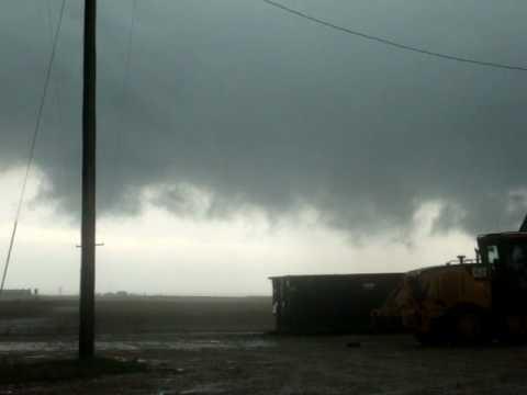 tornado  warning  at  Oklahoma  Pandhandle