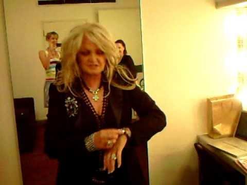 Bonnie Tyler in KAGI Jewellery