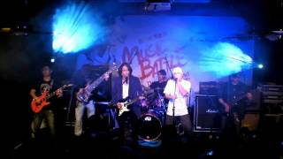 BlackWine x DANNY SUMMER @ TVB Music Battle The Indie Stand -香港香港(Cover)14.1.2012