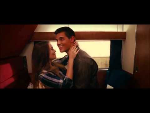 Abduction Kiss Taylor Lautner and  Lily Collins