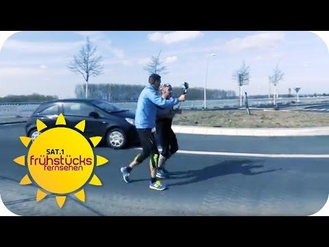 500 Runden JOGGEN im KREISVERKEHR: verrückte Läufer | SAT.1 Frühstücksfernsehen | TV