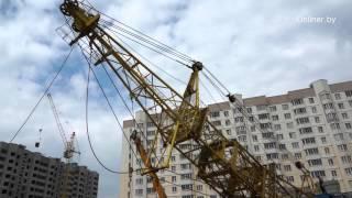 Как собирают башенный кран(Подробности на: http://realt.onliner.by/2013/07/05/video-kran Подписывайтесь на уютный паблик в ВК: http://vk.com/onliner -------------------- Канал..., 2013-07-05T05:54:42.000Z)