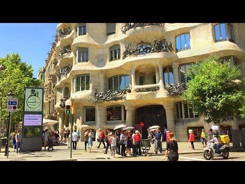 BARCELONA WALK  Passeig de Gràcia  Major Shopping Street  Spain