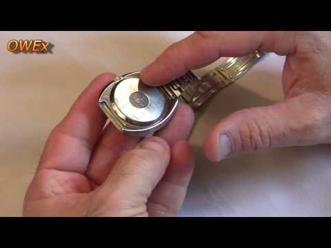 Omega watch repairs - Opening a pressure fit case back