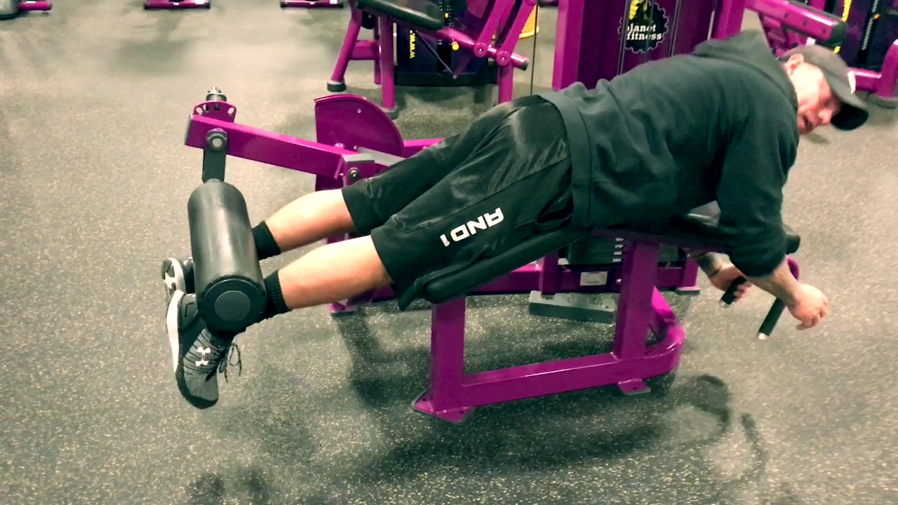 Planet Fitness How To Use The Leg Curl Machine Youtube