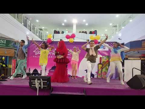 I AM ME BY DATO SERI VIDA, DVS MENARI I AM ME WITH ONSTAGEPRODUCTIONS DANCERS..