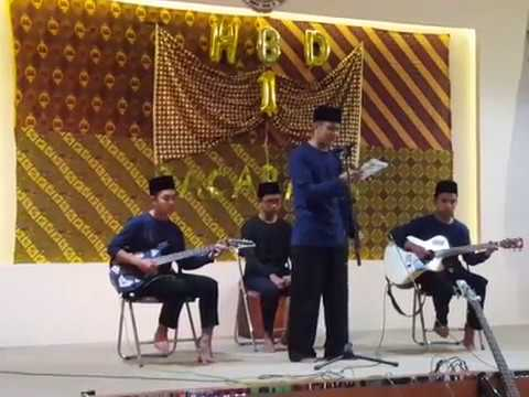 "Musikalisasi Puisi ""Malu Aku Menjadi Orang Indonesia"" Universitas Raden Rahmat"