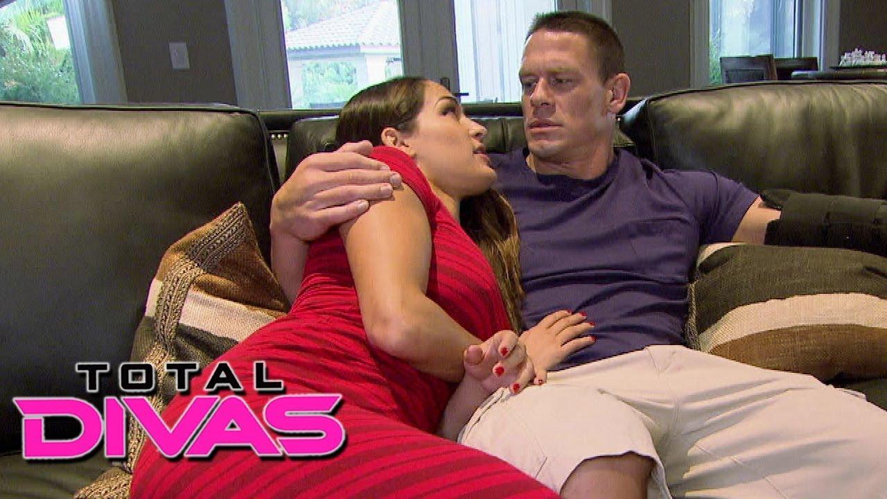 Wwe Kaitlyn And John Cena Kiss WWE Nikki Bella and Jo...