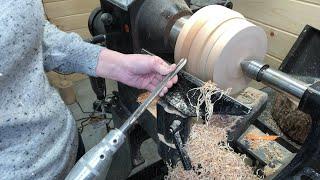 Woodturning a Maple Vase With Veneer