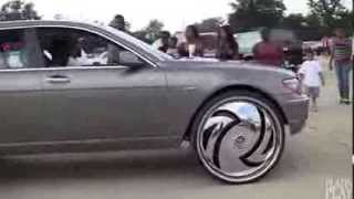 750Li On 30 Inch Spinning Rims !!
