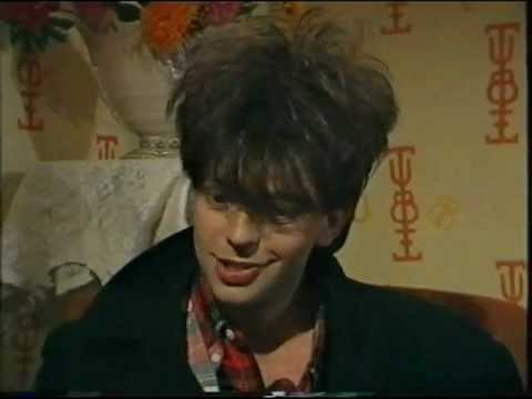 Ian McCulloch interview with Jools Holland / Thorn of Crowns live / September Song promo, 1984