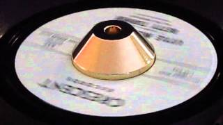Betty Turner & The Chevelles - Little Miss Misery - Crescent