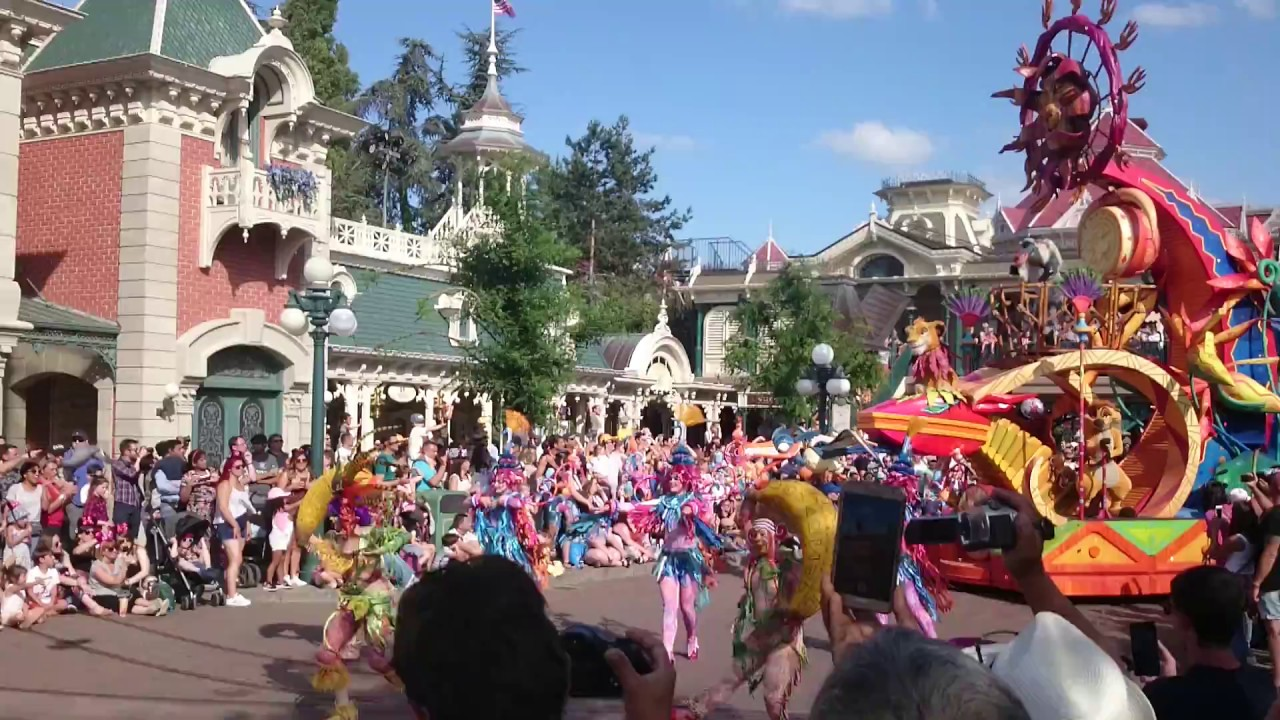 Disneyland Paris Disney Stars On Parade The Lion King The Jungle Book 12 06 17 Hd