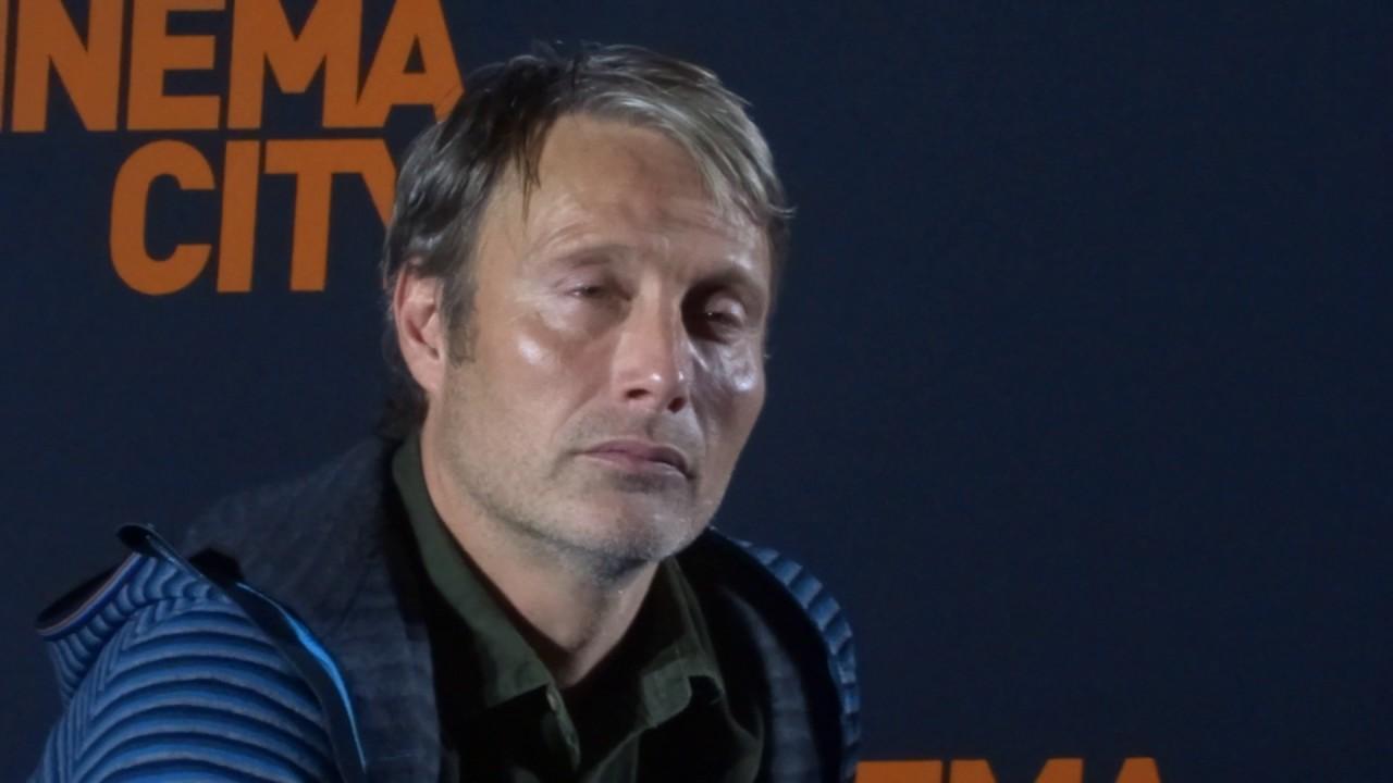 Mads Mikkelsen Interview 19.11.2016 Cinema City Arkadia ...
