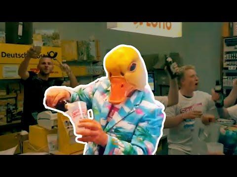 Ingo ohne Flamingo feiert in Berliner Post | Saufen, morgens, mittags, abends