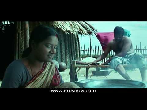 Thananya Is Shocked - Kunguma Poovum Konjum Puraavum