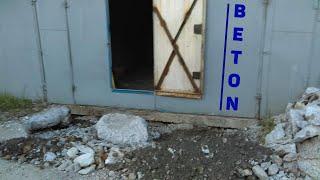 Ломаю бетон кувалдой!