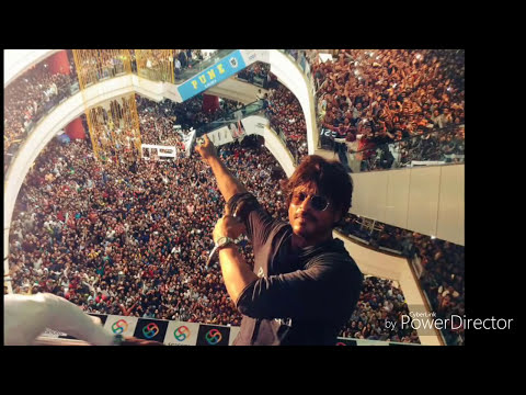Huge crowd for Raees in pune l Power of  shahrukh Khan l Seasons mall ! Symbiosis college