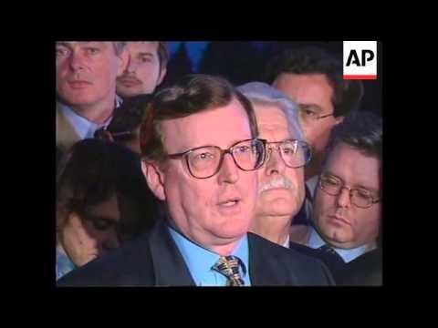 UK: BELFAST: NORTHERN IRELAND PEACE PROCESS: DEADLOCK