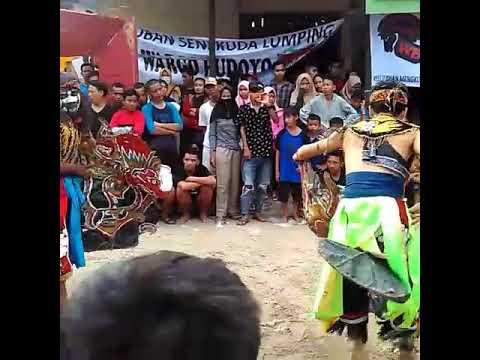 Seni Jaranan Wargo Budoyo Live (Buto putra ) di jalan padat karya sintang kalbar