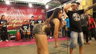 Tities Yolanda * Ditinggal Rabi * Om Altar Ria live Tangkilan