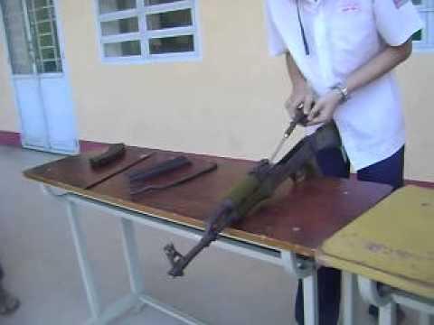 Javier Nguyễn - Tháo lắp súng tiểu liên AK-47