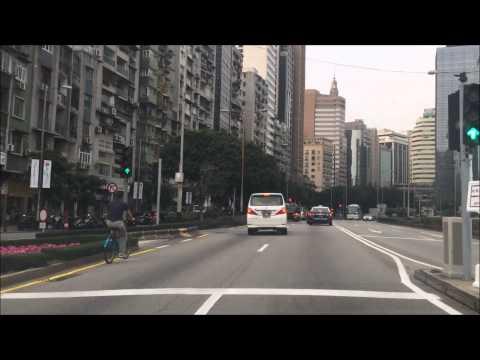 taxi-ride---downtown-macau