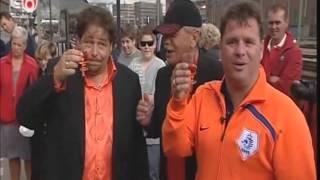 Wolter Kroes Viva Hollandia Item en  het onthullen van de  Tv- Oranje trein (2008)