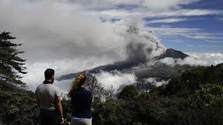 Costa Rica en alerta por erupciones de volcán Turrialba