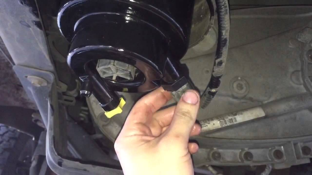 6 7 powerstroke fuel filter change ford f250 350 diesel youtubef350 fuel filter 2 [ 1280 x 720 Pixel ]
