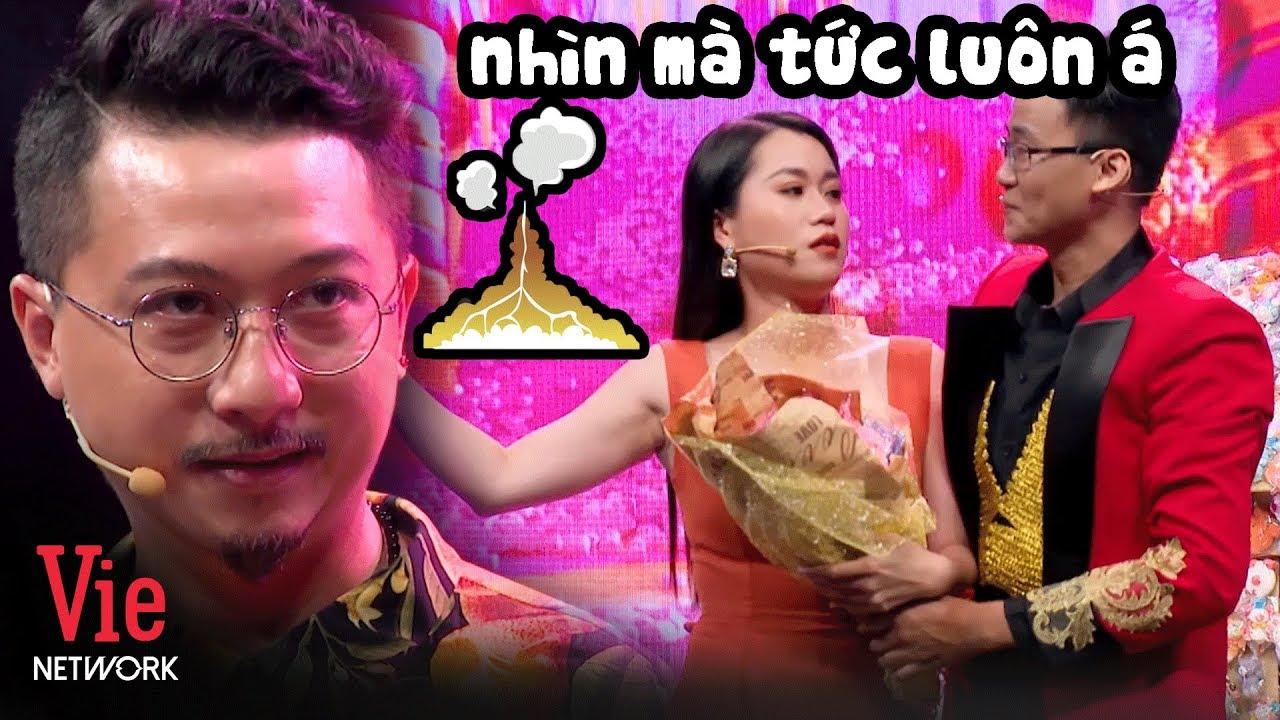 """TAN NHÀ NÁT CỬA: Trai đẹp tặng kẹo cho Lâm Vỹ Dạ khiến anh 7 Gà Hứa Minh Đạt """"nóng mặt"""" l Ai Là Số 1"""