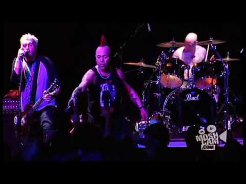 THE EXPLOITED - Punk's Not Dead (Live)