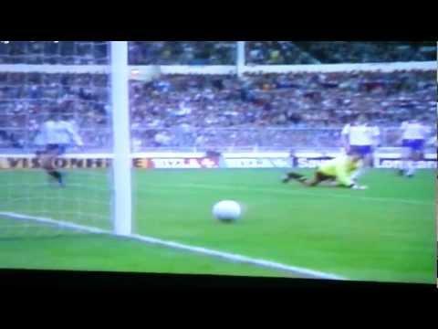 Maradona 1980 runs through the england defenses