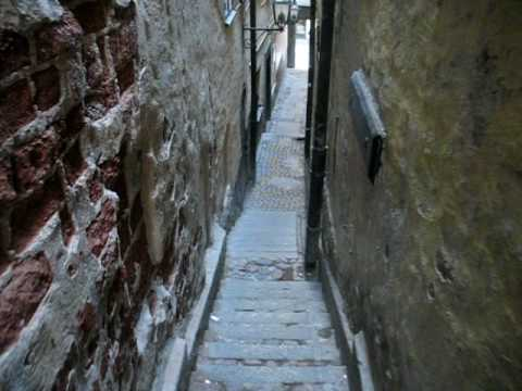 Stockholm Old Town's narrowest street