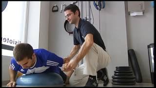 metropolsalud ejercicio de fortalecimiento de hombro simulando natación