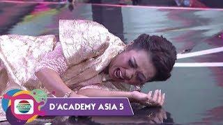 Download Lagu ADUHH!! Soimah Tersungkur Gara-gara Randa - D'Academy Asia 5 mp3
