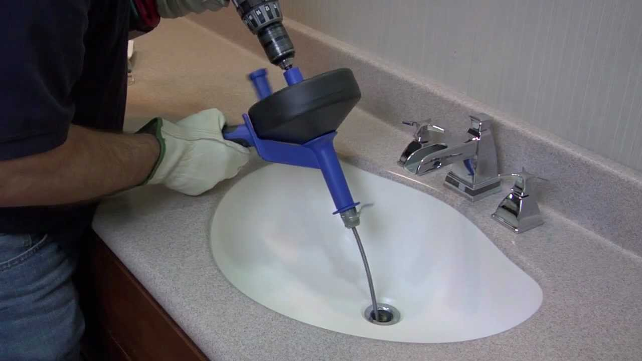 How To Unclog a Drain Using a Cobra Drum Auger - YouTube