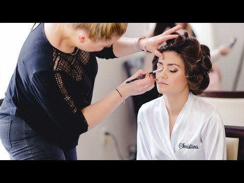How to Photograph a Wedding Bride Getting Ready: Breathe Your Passion with Vanessa Joy