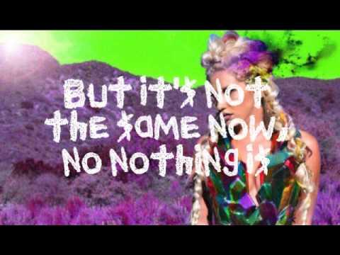Kesha - Wonderland - Lyrics on screen