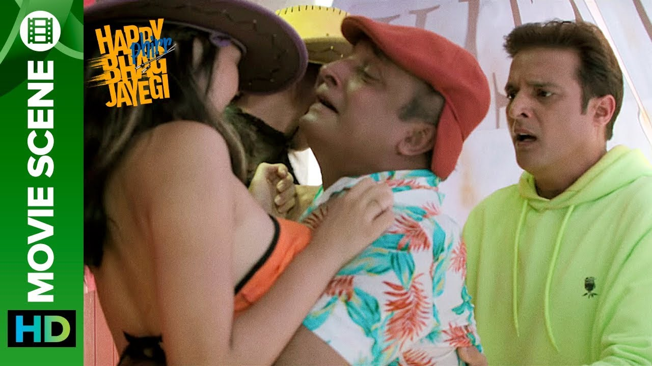 Download Funny Encounter With The Chinese People - Jimmy Shergill & Piyush Mishra