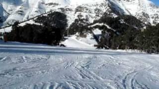 Andorra skiing 2010 Vallnord Coll De La Botella спуск с горы на лыжах(Спуск с горы с обычным фотоаппаратом Canon G10 Съемка велась в видео режиме 640x480 на 30к/c (сюжет для http://forum.1k.by/f25/363-..., 2010-01-07T03:22:57.000Z)