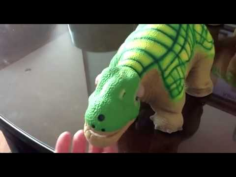 spielzeug roboter pleo rb dinosaurier youtube. Black Bedroom Furniture Sets. Home Design Ideas